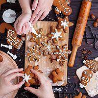 Vianočné vykrajovačky a formičky na 3D medovníky či čokoládu vykúzlia najlepšie vianočné pečivo