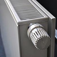 Ako odvzdušniť radiátor, keď nehreje celý
