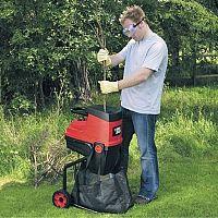 Najlepšie záhradné drviče konárov a štiepkovače? Poradia nám recenzie