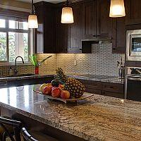 Kuchynská pracovná doska z prírodného alebo umelého kameňa