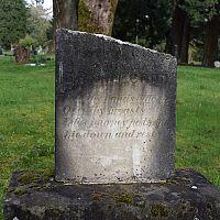 Ako vyčistiť náhrobný kameň?