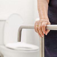 Ako zariadiť kúpeľňu pre seniorov. Bezbariérové kúty aj celé kúpeľne