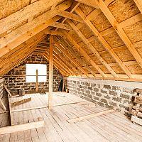 Ako znížiť teplotu pod strechou v podkroví