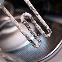 Ako vyčistiť práčku zvnútra? Pomôže ocot, sóda aj čistič práčky