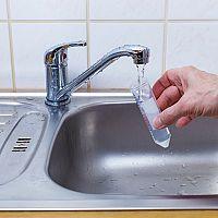 Ako zistiť kvalitu vody a ako získať mikrobiologický rozbor zadarmo?