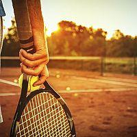 Ako vybrať tenisovú raketu pre začiatočníka, juniora či pokročilého hráča?