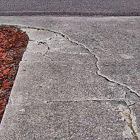Popraskaný betón na terase – ako ho opraviť?