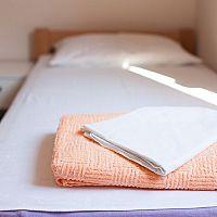 Ako zariadiť hosťovskú izbu: Malá moderná hosťovská izba – inšpirácie