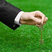 Na čo si dať pozor pri kúpe pozemku – ako prebieha kúpa, povinnosti a poplatky
