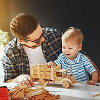 Drevené hračky pre deti na ťahanie, tlačenie, do kuchynky. Vyskúšajte Montessori či Woody