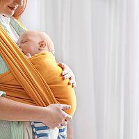 Šatky na nosenie detí – ako vybrať, viazanie, recenzie