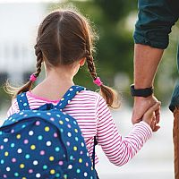 Školské potreby pre prváka – taška, zošity, dosky a obaly na zošity, peračník i školské pomôcky