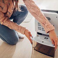 Odvlhčovač vzduchu pomôže pri sušení bielizne i proti plesni. Poradíme, ako vybrať