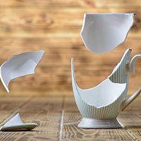 Obitý a prasknutý porcelán nevyhadzujte – dá sa jednoducho opraviť