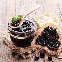 Spracovanie červených, bielych a čiernych ríbezlí: ríbezľový džem, víno, kolač, sirup + recepty
