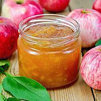 Zavárané jablká so šupkou bez cukru alebo sušené jablká v sušičke i rúre? Vyskúšajte oboje