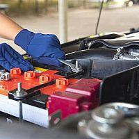 Ako vybrať správnu autobatériu? Recenzie chvália značky Bosch, Exide, Varta, cena nie je vysoká