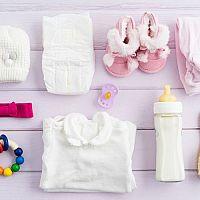 Výbavička pre bábätko narodené v zime, v lete, na jar i na jeseň – zoznam najdôležitejších vecí