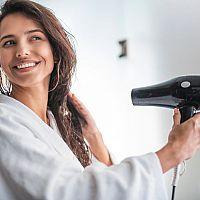 Ako vybrať domáci či cestovný fén na vlasy? Najlepší je s ionizátorom.
