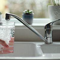 Na kvalitnej kuchynskej či kúpeľňovej vodovodnej batérii ušetríte. Siahnite po Grohe, Hansa alebo Ravak