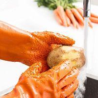Oranžové rukavice na čištenie zeleniny InnovaGoods