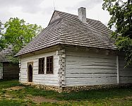Drevená šindlová strecha a drevený šindel – cena za m2, montáž