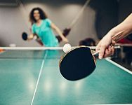 Akú raketu na stolný tenis? Butterfly, Stiga alebo Yasaka