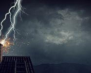 Ako chrániť domáce spotrebiče pri búrke?