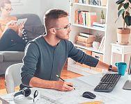 Ako si zariadiť home office – výhody a pravidlá práce z domu