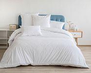 Manželská posteľ z masívu, s úložným priestorom, s matracom a roštom? Vieme, ako vybrať