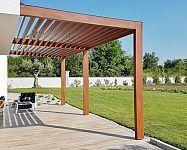 Ako vybrať zaťahovaciu, vysúvaciu, hliníkovú či drevenú pergolu do záhrady a na terasu