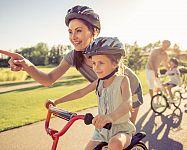 Ako vybrať prilbu na bicykel pre dieťa a dospelého