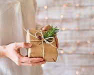 Tipy na originálne vianočné darčeky pre deti a dospelých + nápady, kam ich schovať