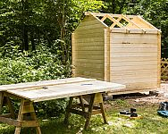 Rozvrhnite si záhradné stavby správne. Poradíme, kam s krbom, altánkom, bazénom i skleníkom