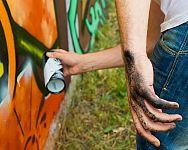 Ako sa zbaviť nápisov alebo graffiti na stene či plote?