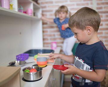 Drevené detské kuchynky pre deti? Najlacnejšie sú plastové