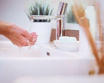 Ako ušetriť  vodu v domácnosti? Recyklácia vody a splachovanie použitou vodou