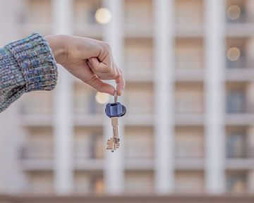 Povinnosti pri kúpe a po predaji bytu: daň, uvoľnenie bytu po predaji