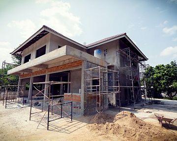 Rekonštrukcia starého domu alebo novostavba – výhody, nevýhody, ako rekonštruovať, cena