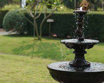 Akú fontánu do záhrady (solárna, kamenná, s osvetlením), cena, umiestnenie, starostlivosť