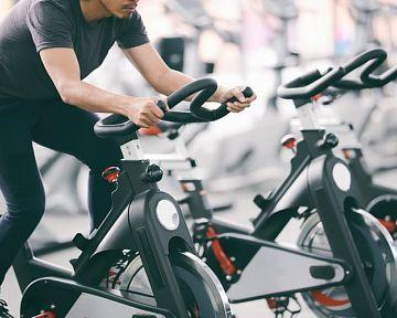 Lacný cyklotrenažér na chudnutie ponúka inSPORTline aj Decathlon – test cyklotrenažérov